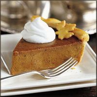 Thanksgiving-decor-pumpkin-pie-slice